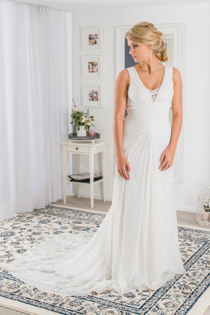 Brautkleid Boho Stil – Vintagekleid mit Chiffonrock und Schleppe